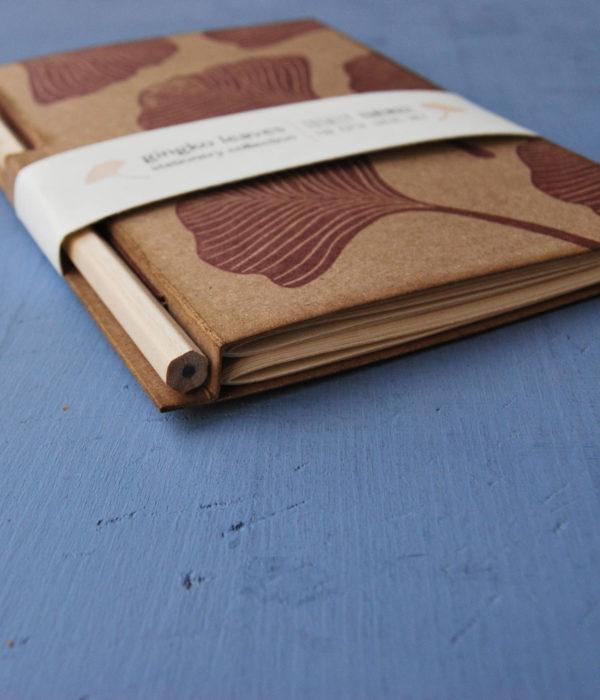 sketchbook con matita Taccuino disegno Gingko Leaves lato